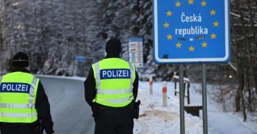 Die verschärften deutschen Einreiseregeln an den Grenzen zu Tschechien und Tirol könnten sich auf die Autoindustrie auswirken. Foto: Matthias Balk/dpa