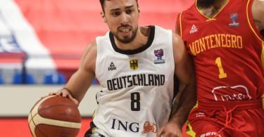Mit 19 Zählern bester deutscher Spieler gegen Montenegro: Ismet Akpinar (l). Foto: Gaizka Iroz/AFP/dpa