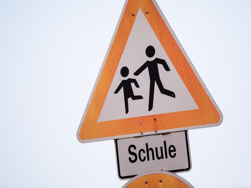 Welche Rolle spielen Schulen in der Pandemie?. Foto: Rolf Vennenbernd/dpa/Symbolbild