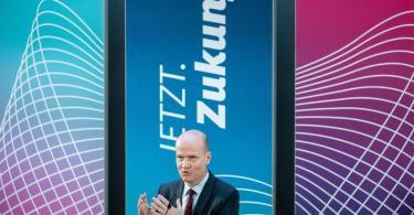 Ralph Brinkhaus (CDU), Vorsitzender der CDU/CSU-Bundestagsfraktion, gibt eine Pressekonferenz zu Beginn der digitalen Fraktionssitzung der Union. Foto: Kay Nietfeld/dpa