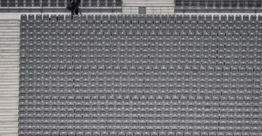 Wegen der leeren Tribünen nahmen die Clubs weniger ein. Foto: John Macdougall/afp POOL/dpa
