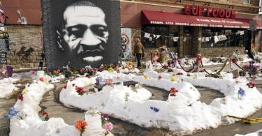 Ein Wandbild von George Floyd in Minneapolis. Foto: Jim Mone/AP/dpa