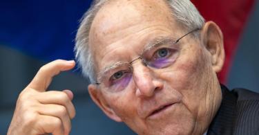 Bundestagspräsident Wolfgang Schäuble ist für eine Corona-Impfung bei Olympia-Startern. Foto: Bernd von Jutrczenka/dpa