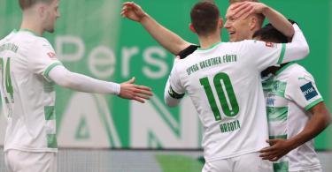 Erst kurz vor Ende konnte sich Fürth doch noch einen Punkt im Derby gegen Nürnberg sichern. Foto: Daniel Karmann/dpa