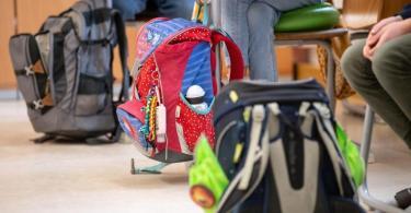 Schüler einer vierten Klasse in einer Grundschule: Bei Kindern bis 14 Jahren haben sich die Sieben-Tage-Inzidenzen in den vergangenen vier Wochen mehr als verdoppelt. Foto: Matthias Balk/dpa/Symbolbild