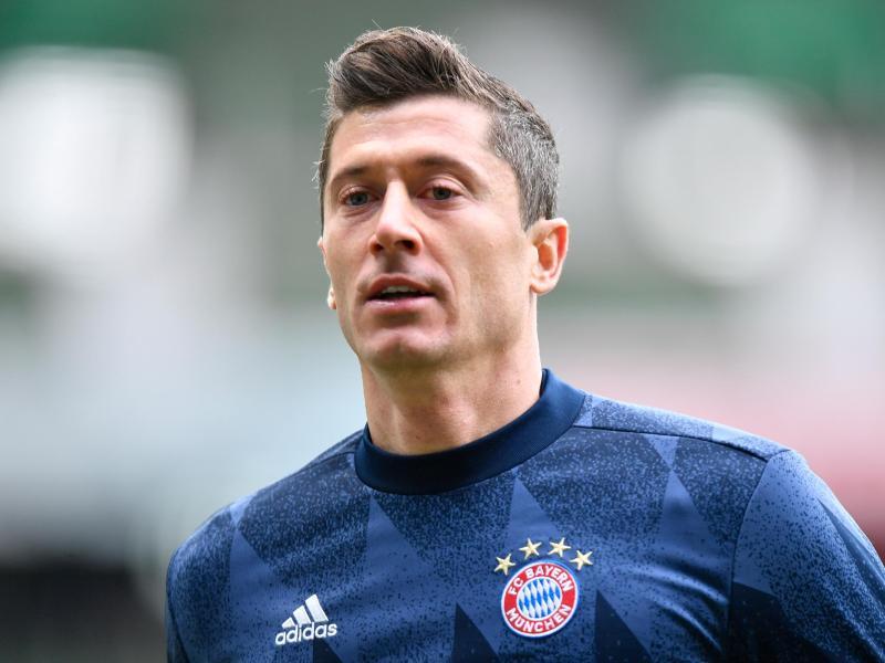 Muss wegen einer Knieverletzung rund vier Wochen pausieren: Münchens Stürmer Robert Lewandowski. Foto: Martin Meissner/AP-Pool/dpa