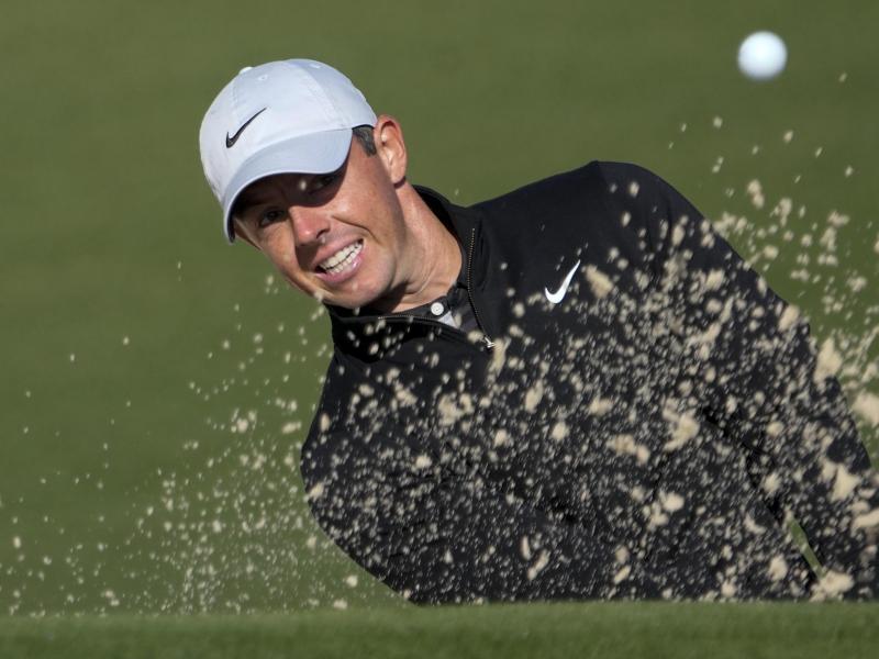 Stattete Tiger Woods nach dessen Autounfall einen Besuch ab: Rory McIlroy. Foto: David J. Phillip/AP/dpa