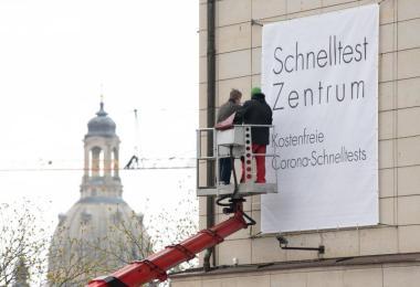 Das Bilderberg Bellevue Hotel inDresden wird zur Teststation. Foto: Sebastian Kahnert/dpa-Zentralbild/dpa