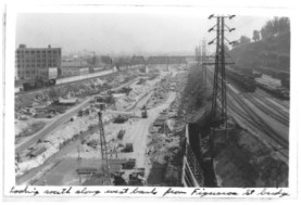 Figure ES-2 The LACDA Project Under Construction, Downsteam of Arroyo  Seco Confluence 1940