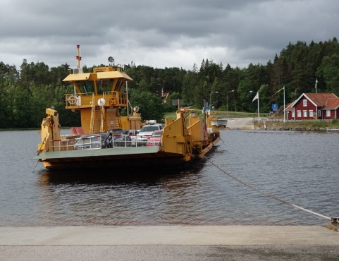 Cable ferry on the morning with three ferries