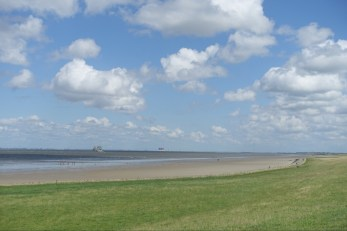 Sandy beaches by the Elbe