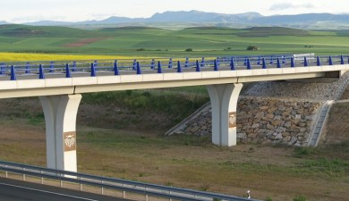 Camino signs even on highway overpasses