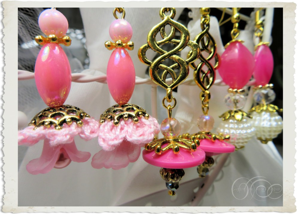 Handmade pink earrings by Ingeborg van Zuiden