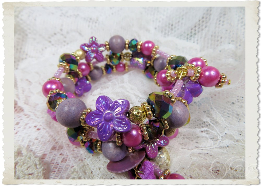 Pretty purple flower bead