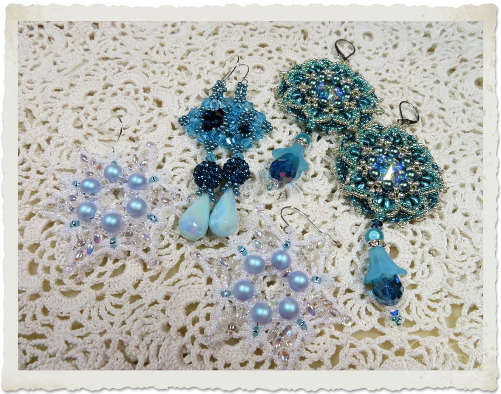 Blue beaded earrings by Ingeborg van Zuiden