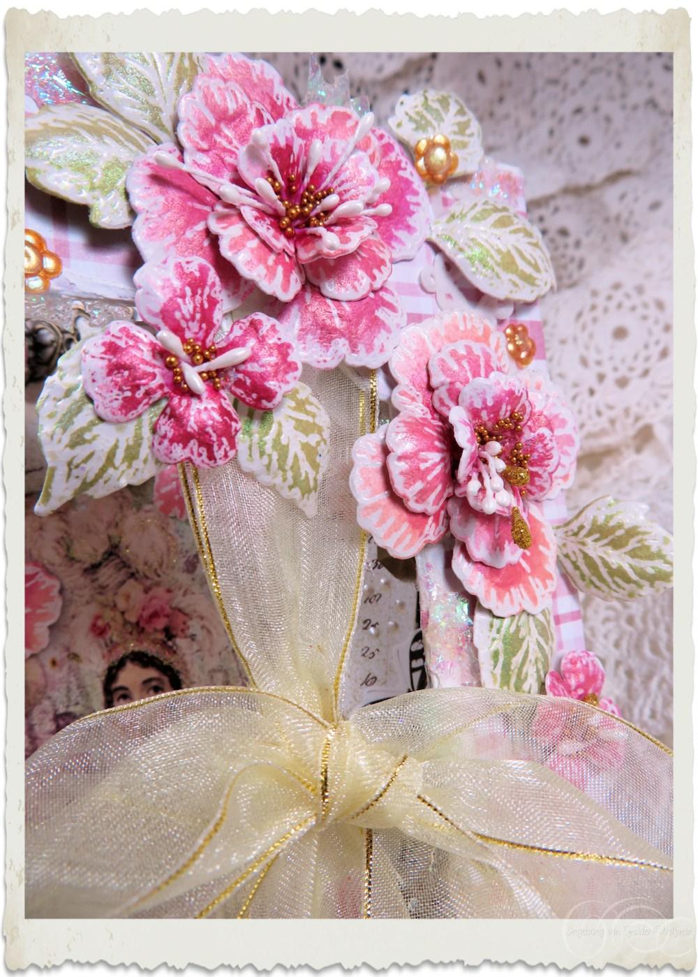 Handmade pink Oakberry Lane flowers by Ingeborg van Zuiden