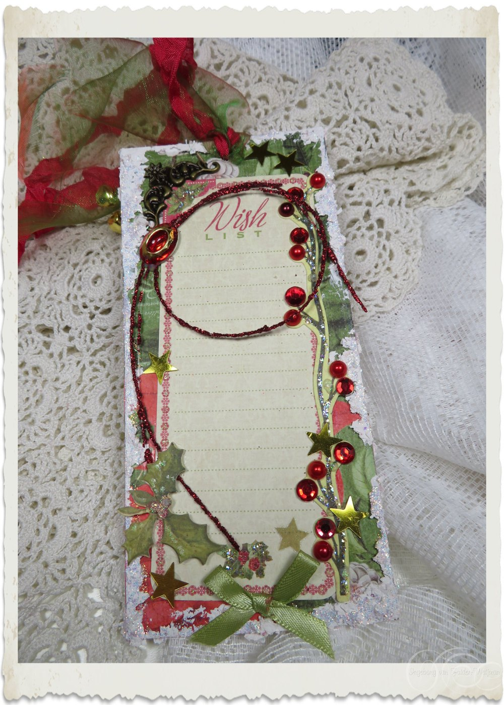 Backside of handmade Christmas hanger with wish list by Ingeborg van Zuiden