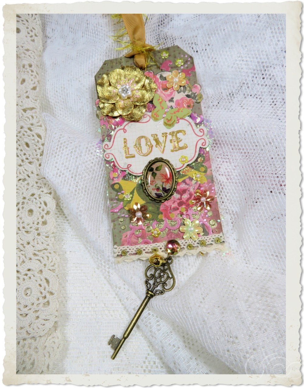 Love tag with flowers
