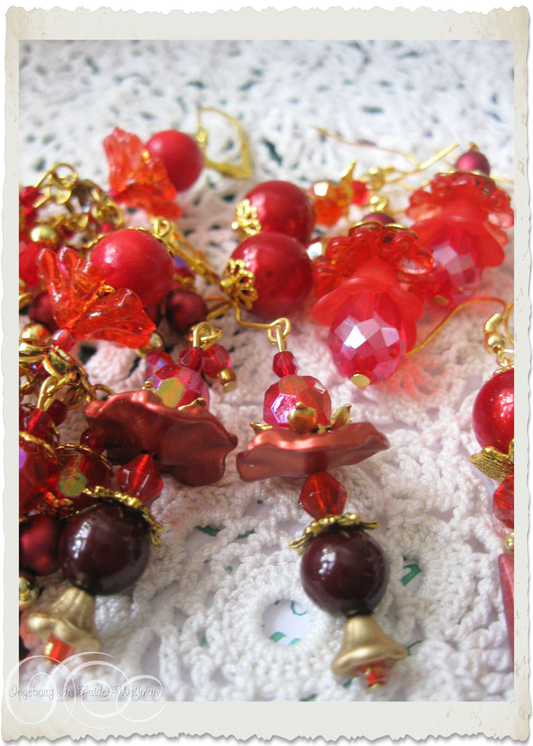 Red gold earrings