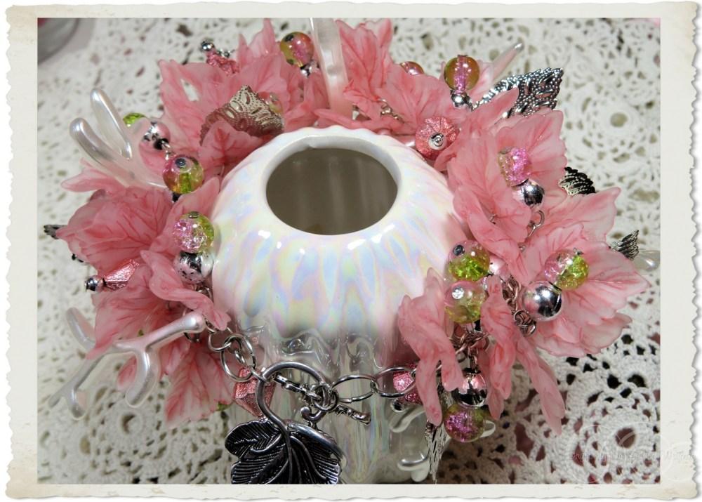 Pink silver charm bracelet by Ingeborg van Zuiden