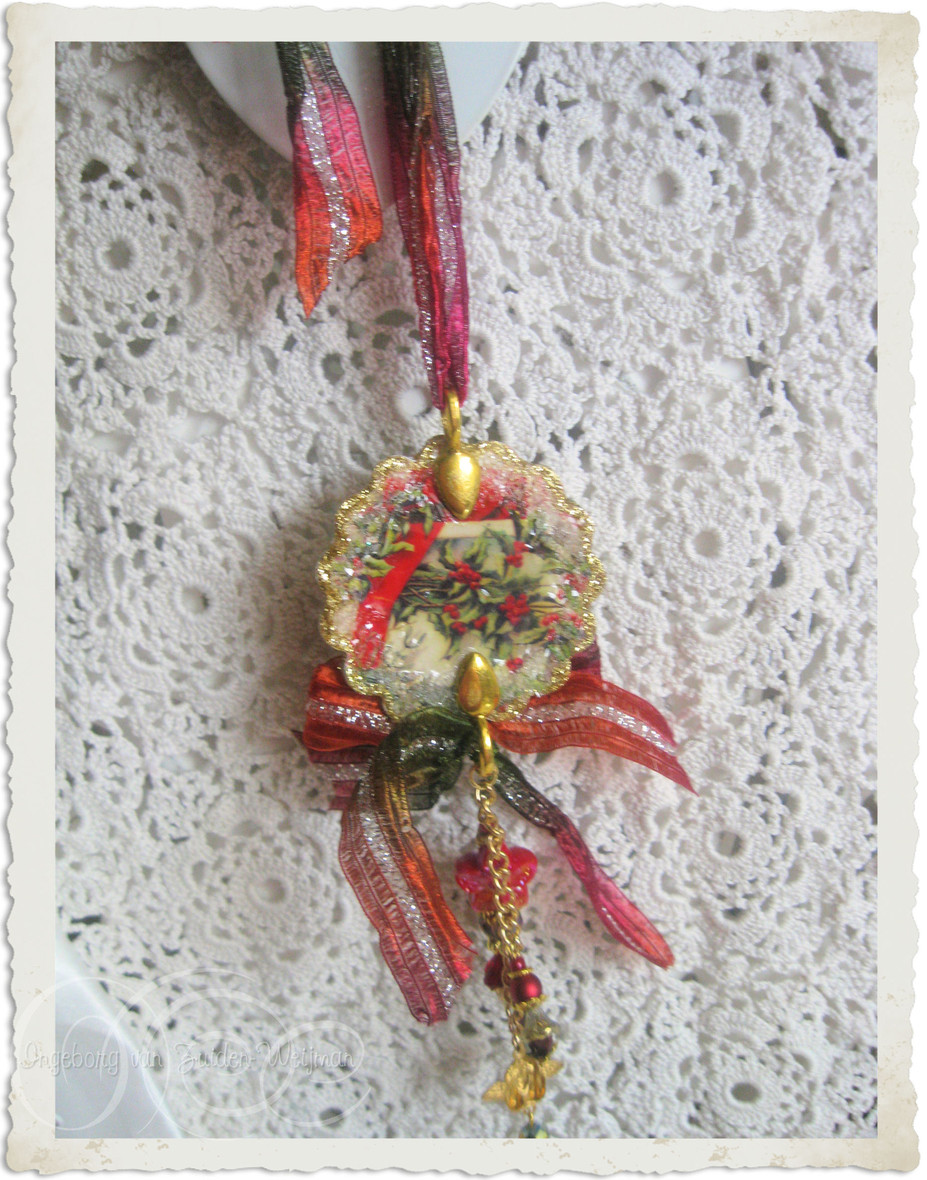 Christmas hanger with vintage image