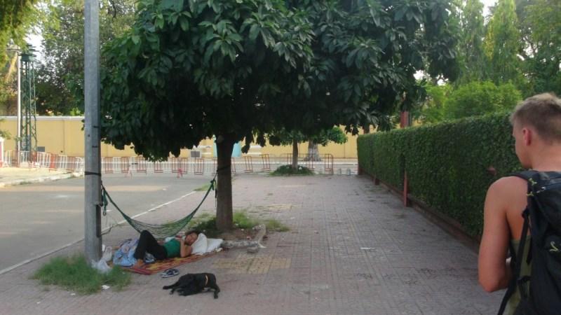 Hængekøje på gaden i Phnom Penh