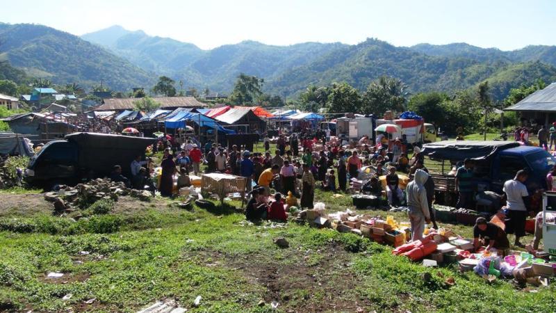 Mandags marked i Moni