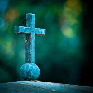 Cruz sobre una tumba