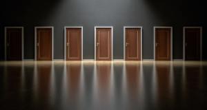Varias puertas para elegir
