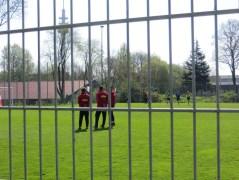 ganz links: Dariusz Wosz