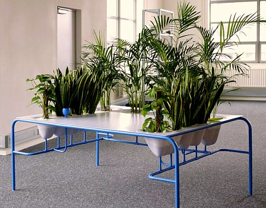 Julio Radesca de Carvalhom, personal fresh air desk, green furniture, office furniture, green cubicles, living furniture, cubicle alternatives
