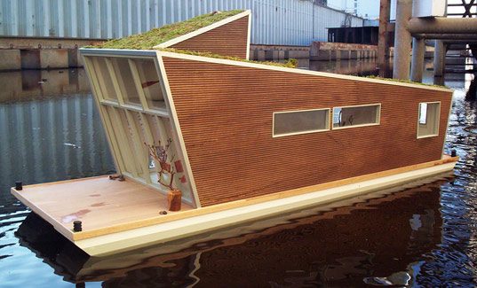 confused direction, schwimmhaus, boat house, sustainable house boat, green roof house boat, green architecture, green building