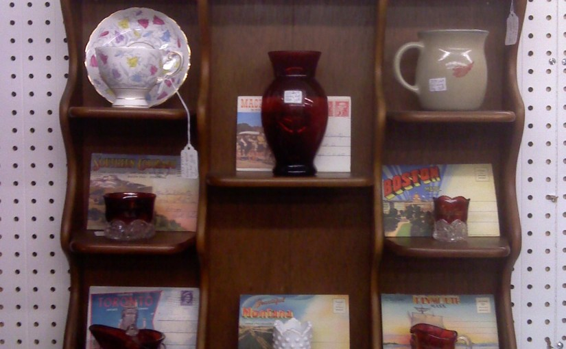 Great Way To Display Collectible Travel Postcards & Souvenirs