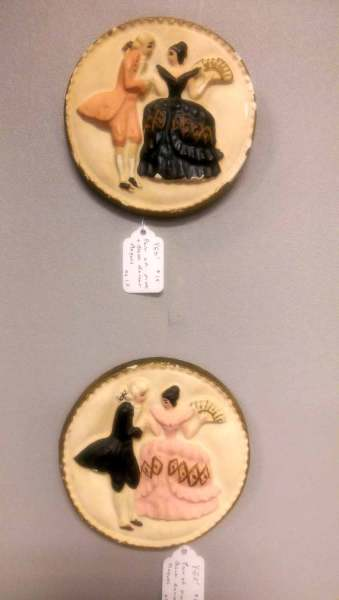 vintage-chalkware-plaques-pink-and-black-dancers