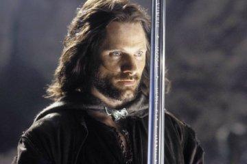 Viggo Mortensen fala sobre O Hobbit e projetos pessoaisViggo Mortensen fala sobre O Hobbit e projetos pessoais