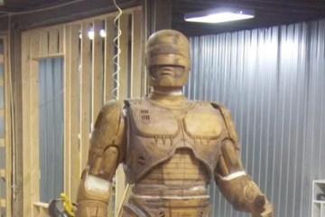 Detroit prestes a ganhar estátua do Robocop