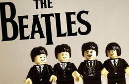 Bandas famosas recriadas com LEGO