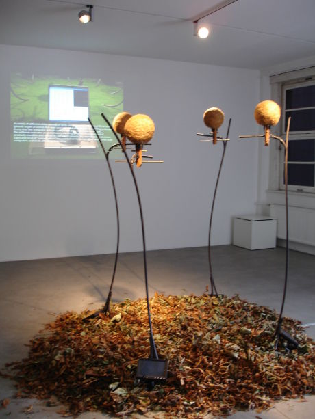 Imagen de la obra Llamada-Respuesta de Hiroya Tanaka y Macoto Cuhara en el Ars Electronica 2008