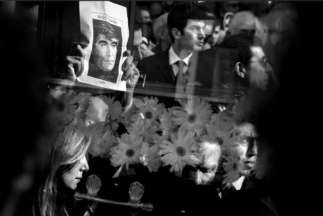 Imagen del entierro de Hrant Dink por Kathryn Cook
