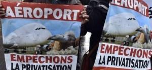 Vinci candidat au rachat des aéroports grecs privatisés de force par l'UE !