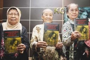 Octobre 1965 – Octobre 2015 : les victimes du génocide en Indonésie témoignent, les historiens balayent la propagande capitaliste.