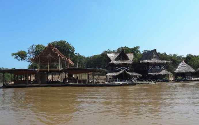 palafitte sul Rio delle Amazzoni