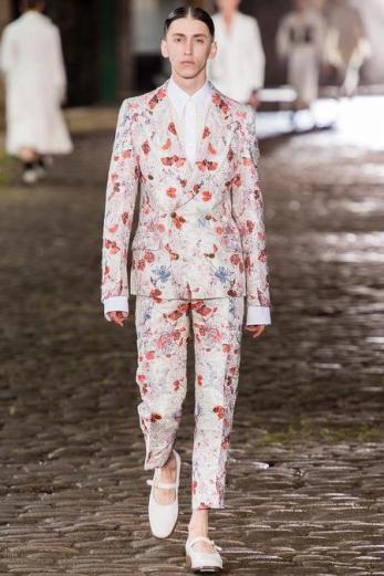 Alexander McQueen Menswear S/S 2014 (Photo: Yannis Vlamos / InDigital | GoRunway)