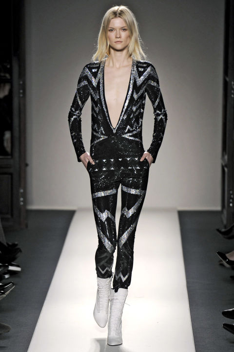 hbz-david-bowie-inspired-runway-balmain-fall-2011-getty
