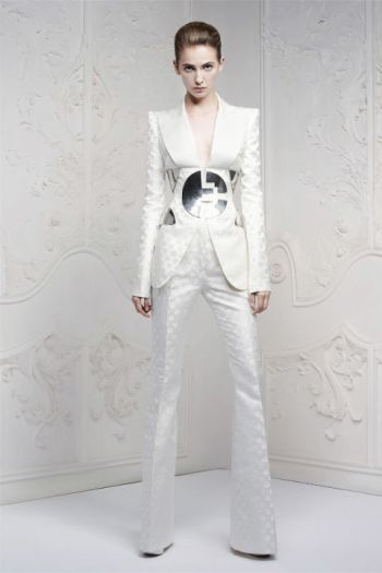 hbz-david-bowie-inspired-runway-mcqueen-resort-2013-courtesy