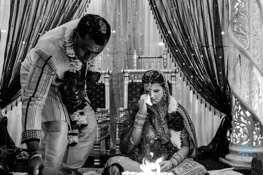 nj-indian-wedding-photographer-inku-photography-nyc-boston-dc-destination-sri-guruvaayoorappan-temple-hindu