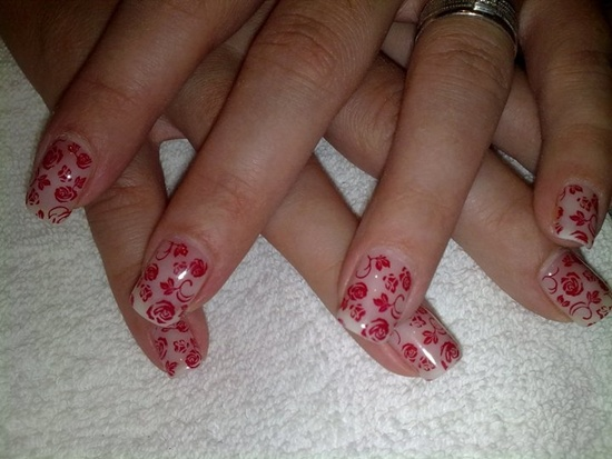 A Geous Design Of Clear Gel Nails With Patterns Roses And Leaves Connected In Swirling Pattern Normally Like These Would Be Difficult To
