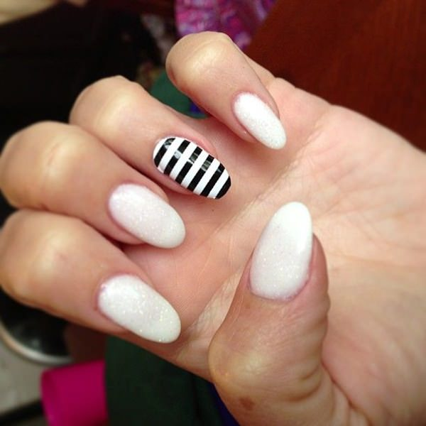 Simple And Clic Thick French Tip With A Cute Bow The Nails Are Coated