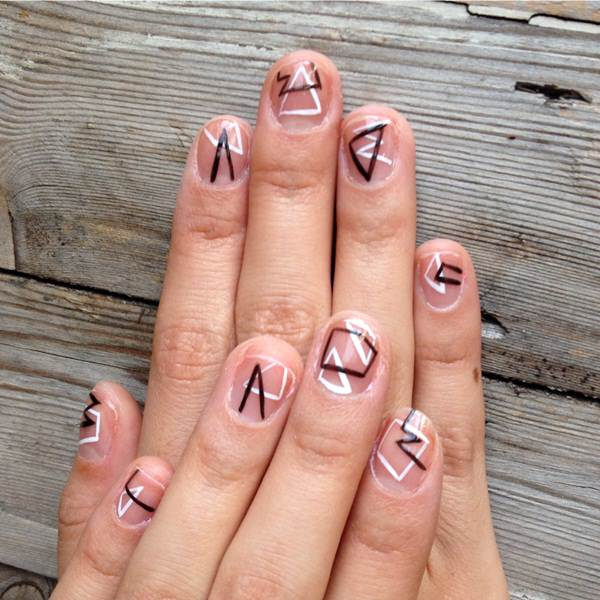 Black And White Nail Designs 31