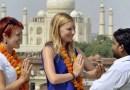 विदेशी पर्यटक भारताकडे इतके का आकर्षित होतात? 'ही' कारणे देतील तुम्हाला उत्तर !
